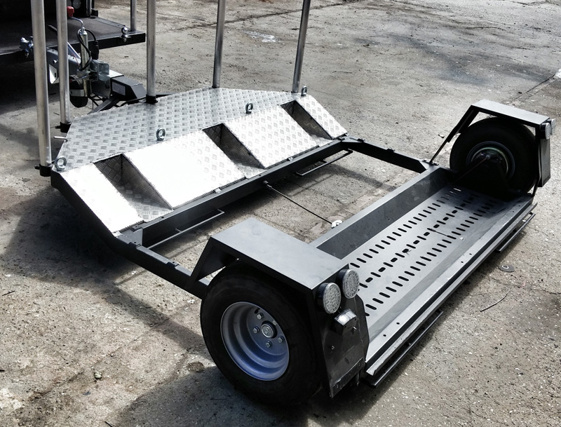Rolling camera car   tow dolly